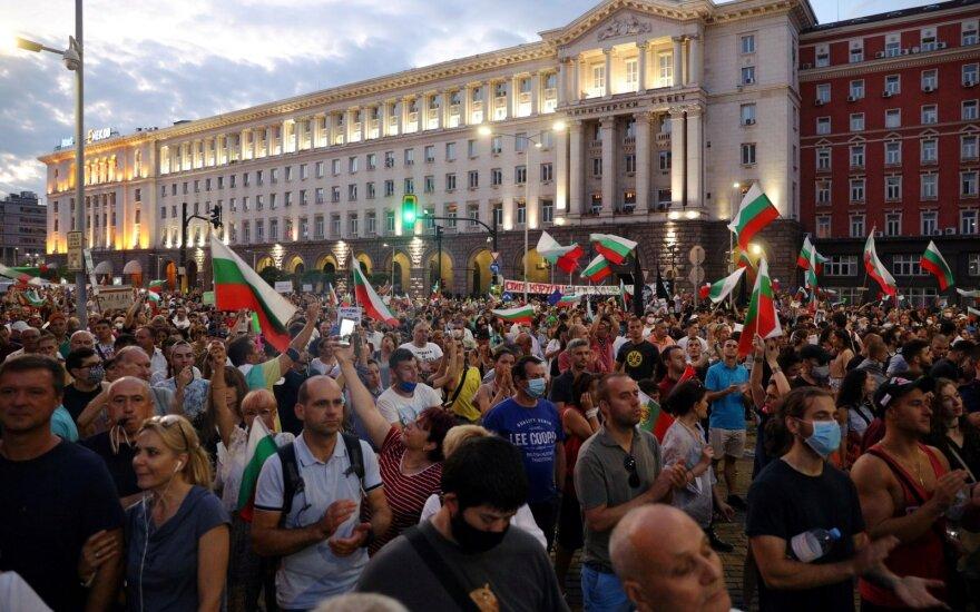 Bulgarijos policija pašalino per antivyriausybinius protestus įrengtas barikadas