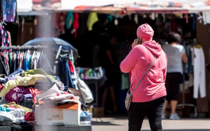 Turgaus prekeivė papasakojo, kaip apsipirkimo metu elgiasi mamos: baisu tai matyti