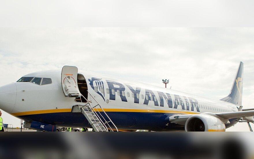 """""""Ryanair"""" per dieną atpigo septintadaliu"""