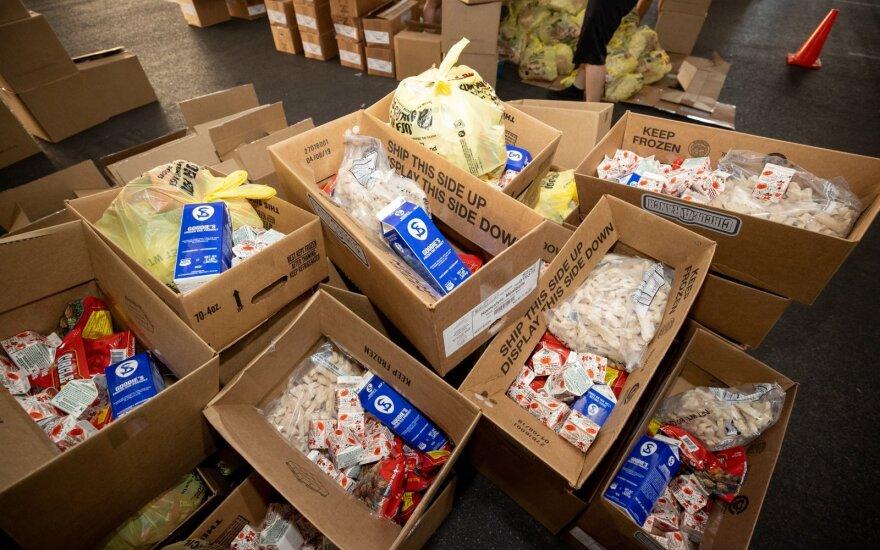 Į savivaldybes pradedama vežti parama maisto produktais, ją gaus per 172 tūkst. žmonių