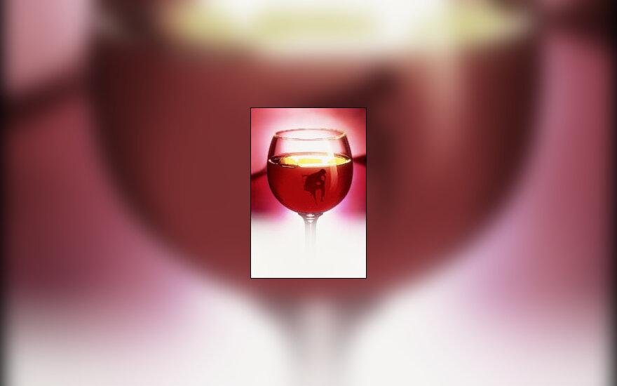 alkoholizmas, alkoholis, taurė