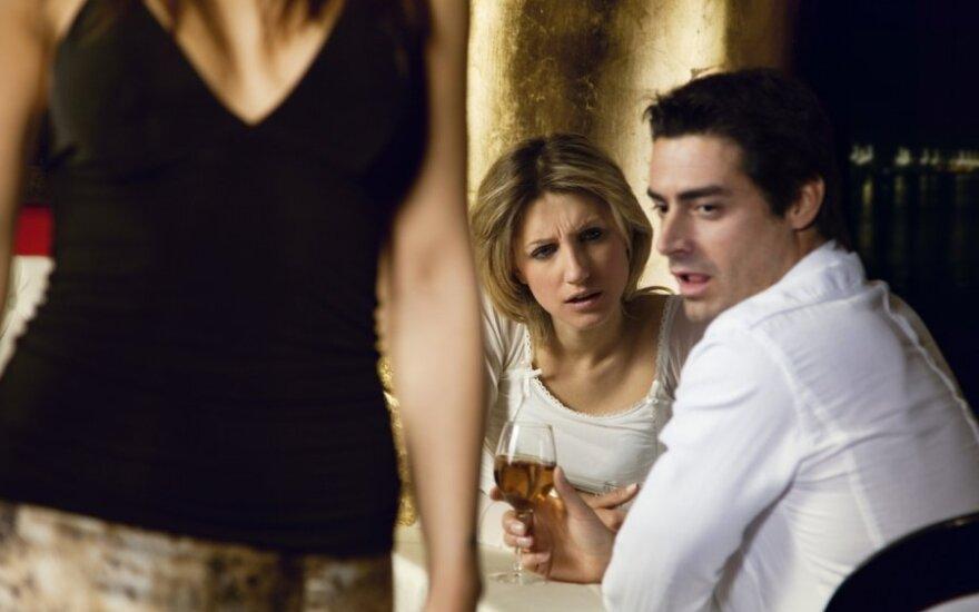 Pavydas sugriovė mūsų santykius: to, ką man padarė, niekada nepamiršiu