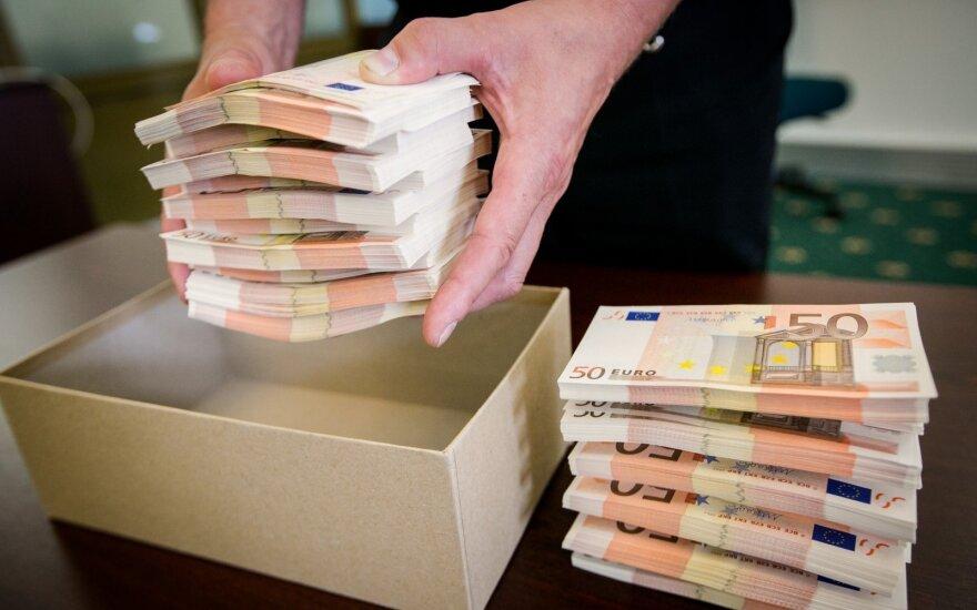 Bankui – skaudi pamoka: teismas nurodė klientams atlyginti šimtatūkstantinius nuostolius