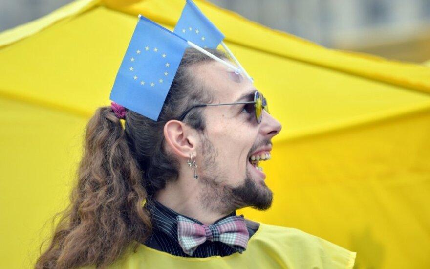 Europos veiksmai dėl Ukrainos: sankcijos ar parama?