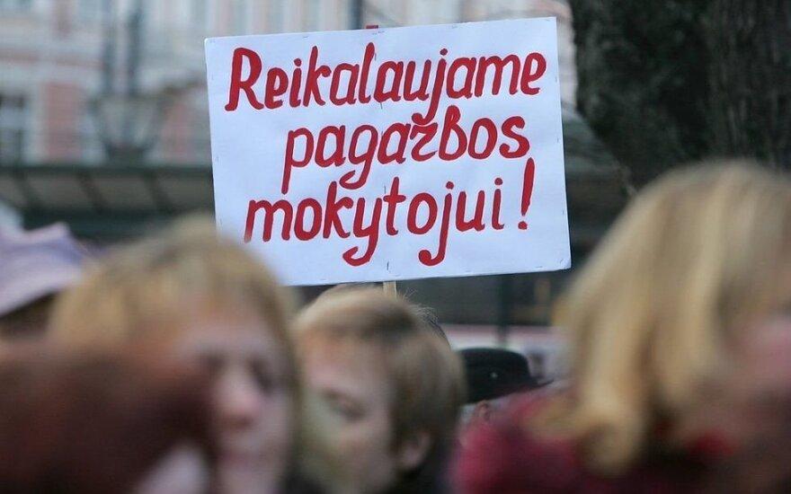 Studentę sujaudino mokytojų streikas: nieks negali paneigti, kad mokytojai yra žeminami