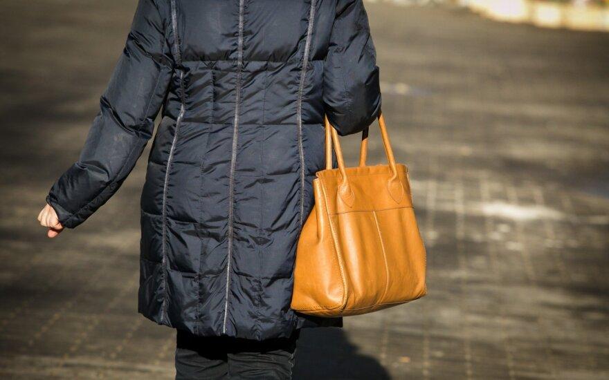 """""""Kaifuojančios"""" bedarbės dienoraštis: frazė moteriškumo kursuose pakeitė savaitę (V)"""