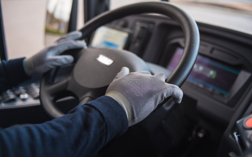 Konkurencijos tarybos sprendimas papiktino vežėjus: prognozuoja kelionių autobusu rinkos griūtį