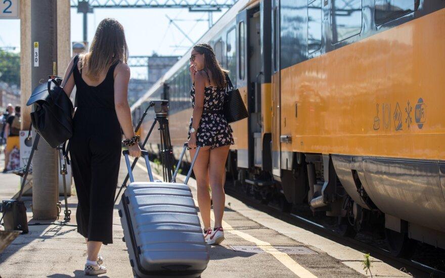 Apie atostogaujančiųjų keliamą grėsmę įspėjęs čekų ekspertas priverstas raudonuoti