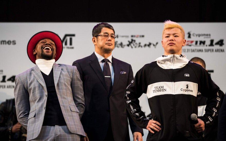 Floydo Mayweatherio ir Tenshinu Nasukawos akistata prie kovą