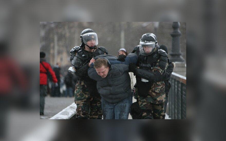 Riaušių prie Seimo byloje apklausti policijos pareigūnai