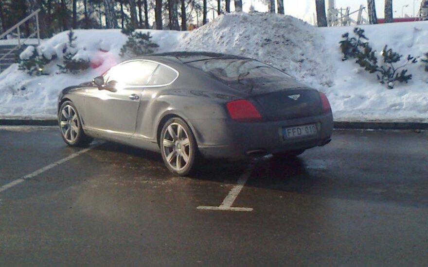 Vilniuje, prie PC Akropolis. 2012-02-09
