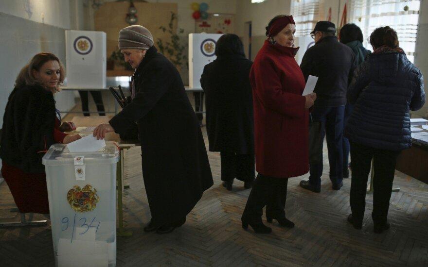 Armėnija balsuoja parlamento rinkimuose