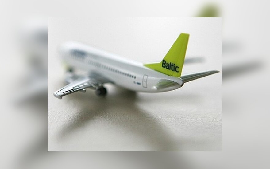 """""""airBaltic"""" planuose – dalies darbuotojų atleidimas"""