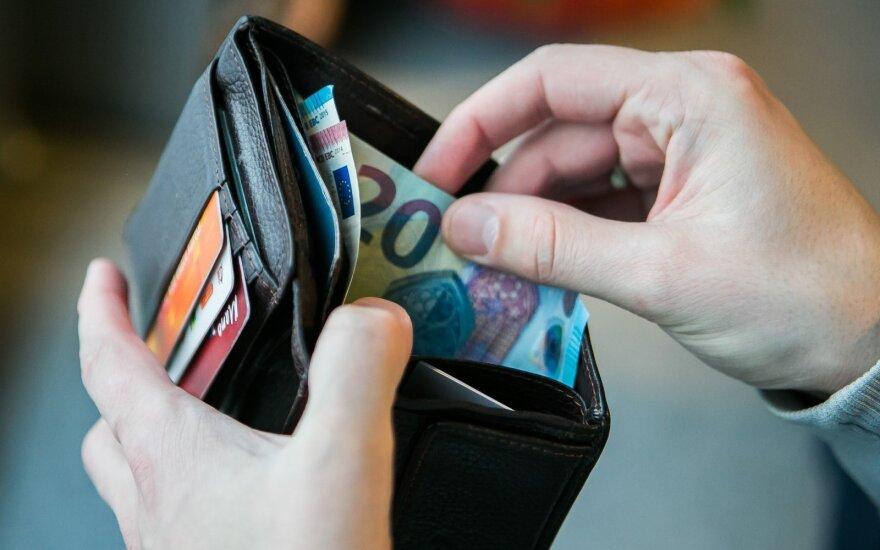 Lapkritį euro zonos įmonės ir namų ūkiai skolinosi daugiau