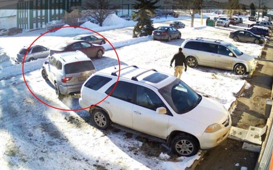 Nufilmuotas 4 minučių trukmės fiasko automobilių stovėjimo aikštelėje