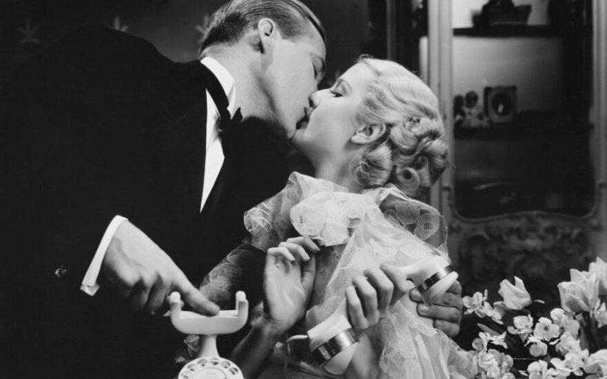 Etiketo ir manierų raida: santuoka neįpareigoja mylėti