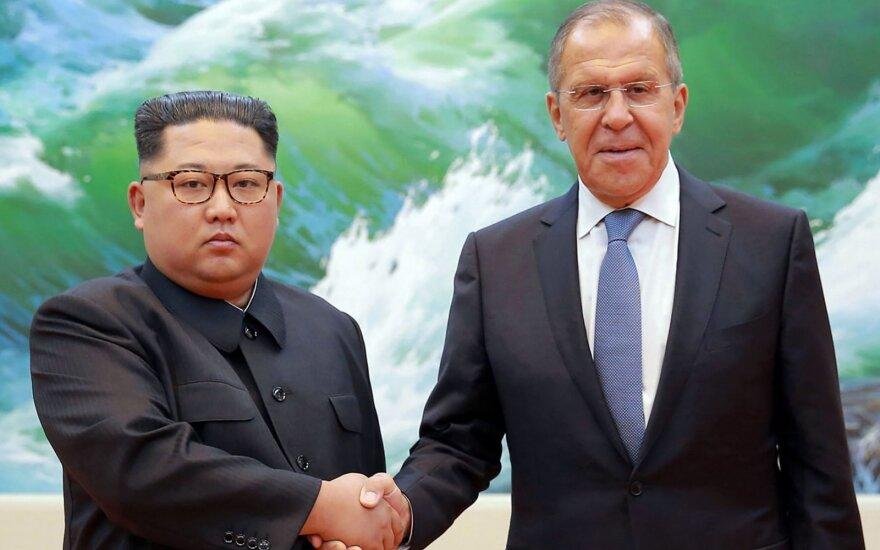 Kim Jong Unas, Sergejus Lavrovas