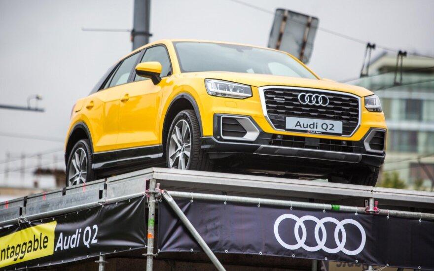 """Audi Q2"" automobilis ant Žaliojo tilto"