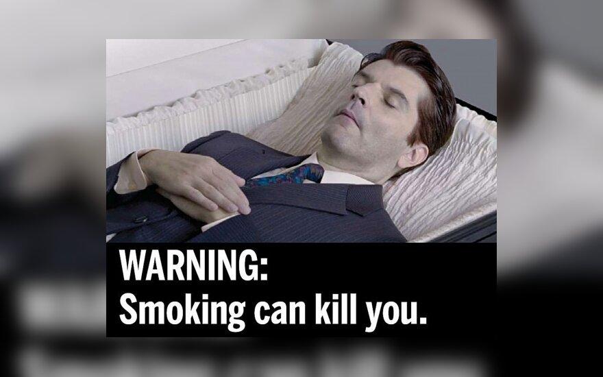 JAV siūlo rūkalius baidyti grėsmingomis nuotraukomis