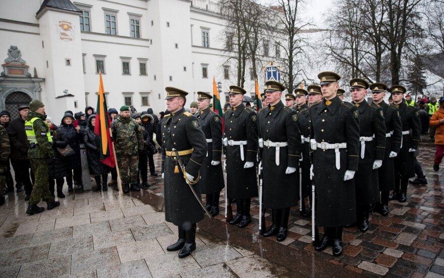 Sukanka 100 metų, kai šalies vėliava buvo pirmą kartą iškelta Gedimino pilyje