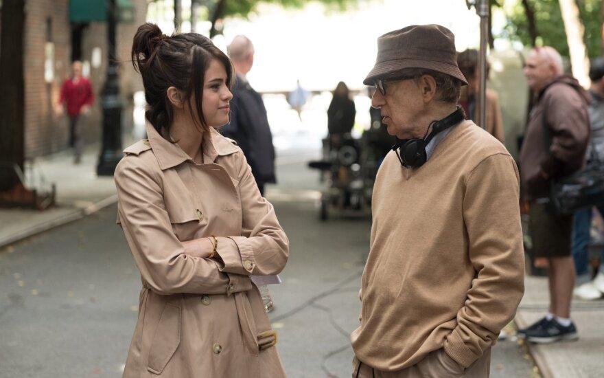"""83-jų Woody Allenas į pensiją eiti nežada ir pristato komediją """"Lietinga diena Niujorke"""""""