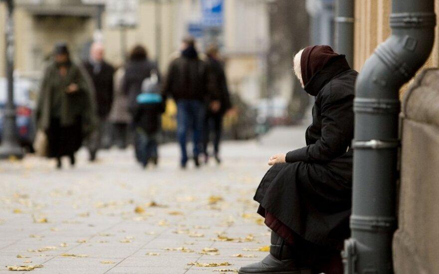 Anglijos lietuvės paramą siunčia ne tik artimiesiems, bet visai Lietuvai: skurdas čia bado akis
