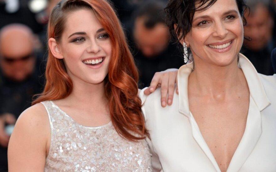 Kristen Stewart (kairėje)