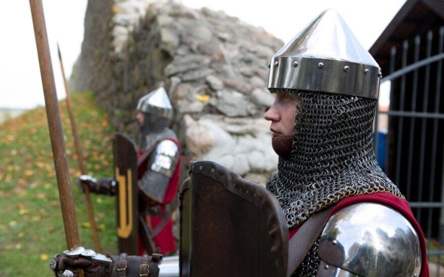 Medininkų pilyje žvangėjo ginklai ir virė 14-to amžiaus Lietuvos gyvenimas