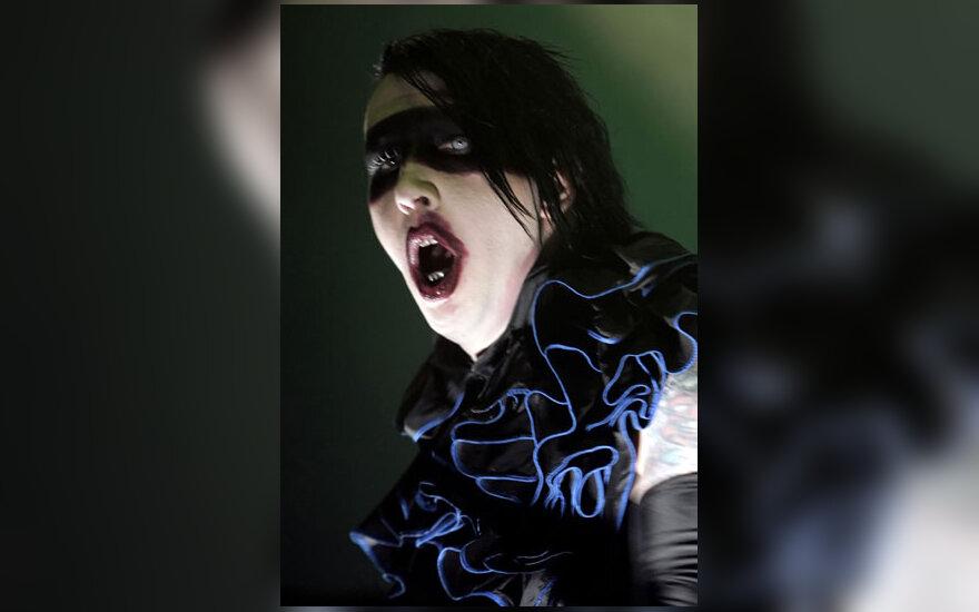 Marilyn Mansonas koncertuoja romėniškame amfiteatre Pulos mieste Kroatijoje.