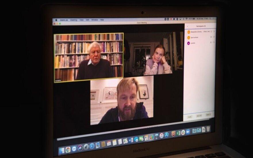 Greta Thunberg ir seras Davidas Attenborough dalyvauja virtualiame interviu. Roger Turesson nuotr.