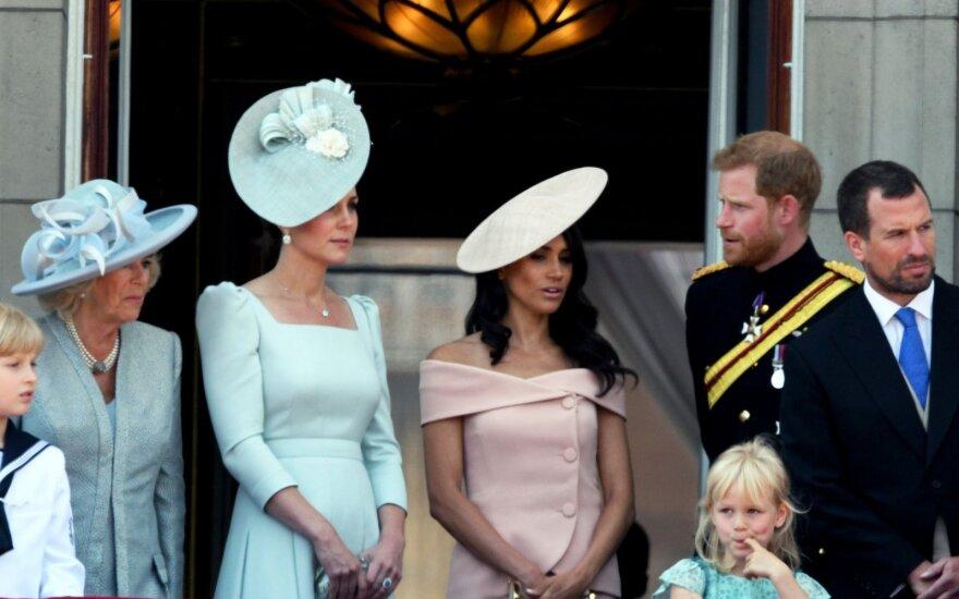 Karališkoji šeima Bakingemo rūmų balkone