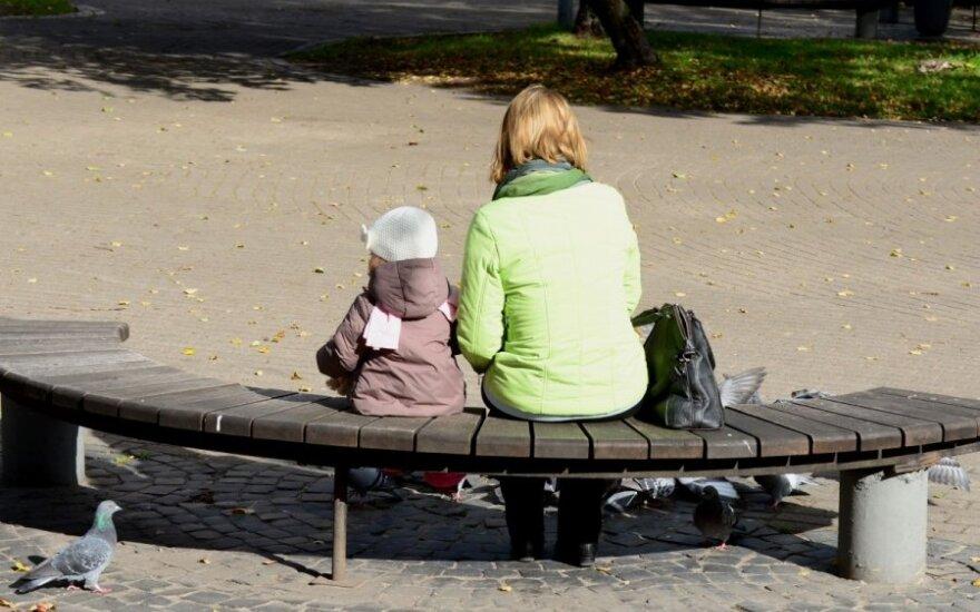 Baikite verkšlenti: būti mama – lengva
