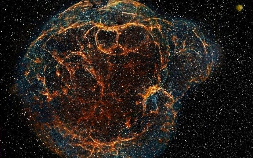 Planetų medžiotojas padėjo ištirti neįprastą supernovą