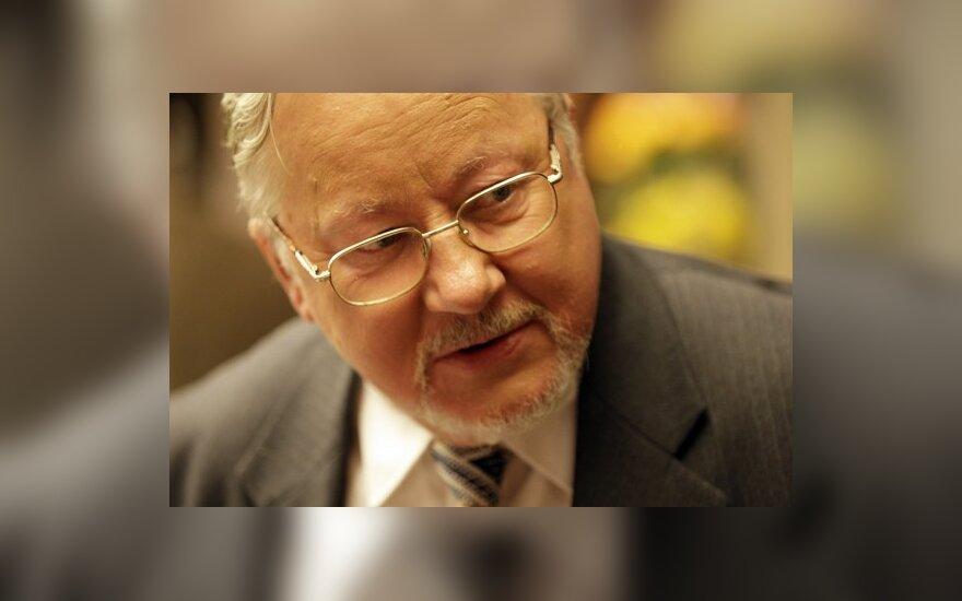 V.Landsbergis: E.Zuroffas nepagrįstai priekaištauja Lietuvai dėl stalinizmo ir nacizmo vertinimo