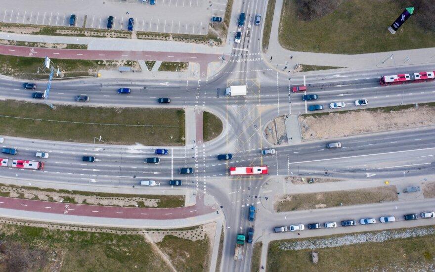 """""""General Motors"""" susies automobilių draudimo kainas su vairavimo būdu"""