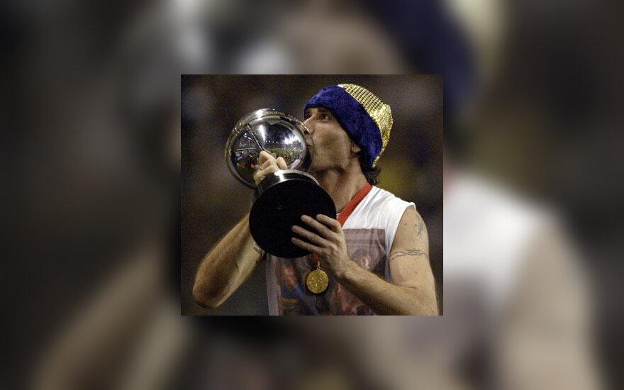"Roberto Abbondanzieri (""Boca Juniors"") laiko ""Copa Sudamericana"" taurę"