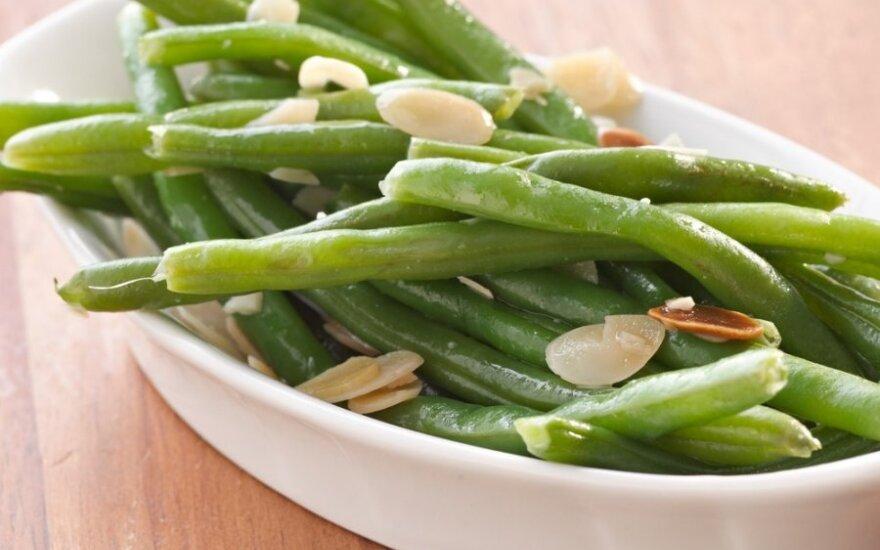 Besilaikantiems dietos: šparaginės pupelės rytietiškai