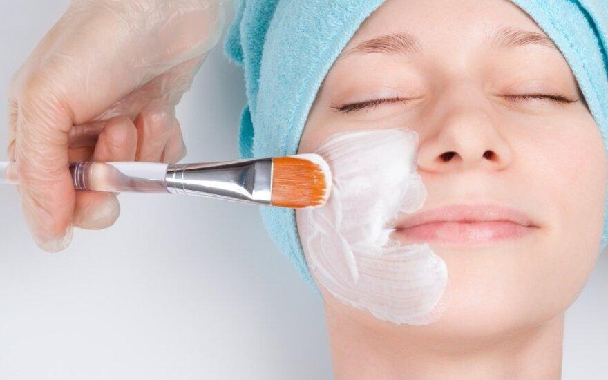 Kada atlikti higieninį odos valymą namuose, o kada - eiti pas kosmetologą