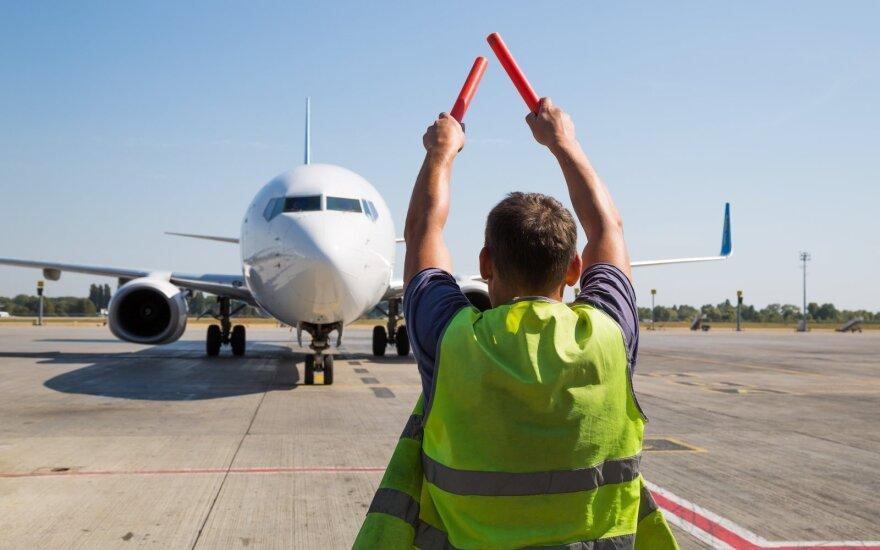 Portugalijos oro linijos TAP dėl koronaviruso atšaukia 1 000 skrydžių