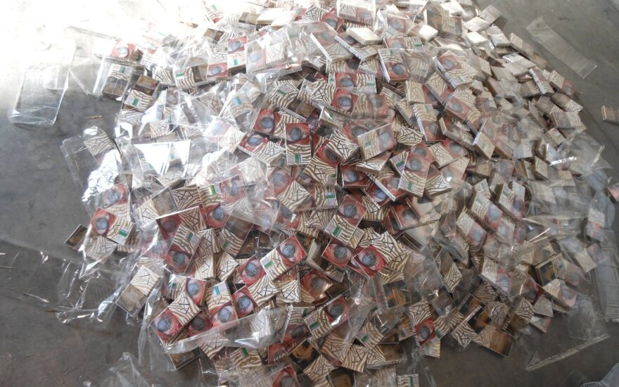 Customs officers detain smuggled cigarettes worth almost EUR 2 mln in Kybartai