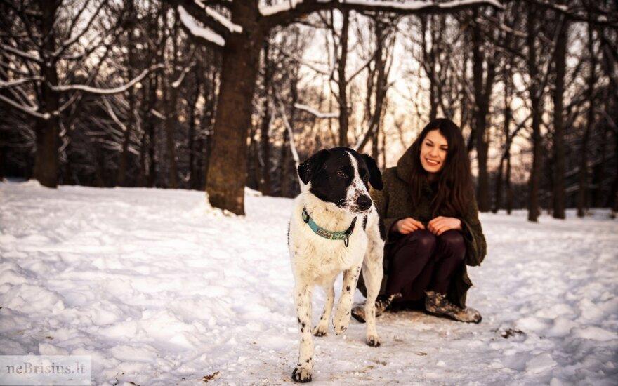 Problematiškas šuo Eltonas šeimininkę išmokė kantrybės ir ramybės