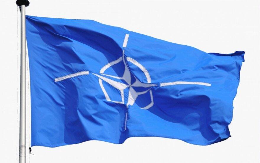 NATO žinoma apie pranešimus dėl JAV pajėgų Afganistane mažinimo