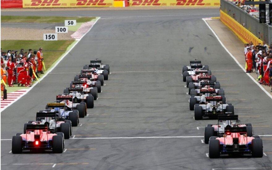 """""""Formulės-1"""" lenktynių startas"""