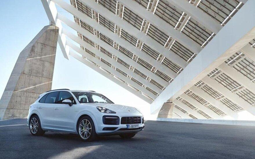 """""""Porsche Cayenne Plug-in Hybrid"""""""