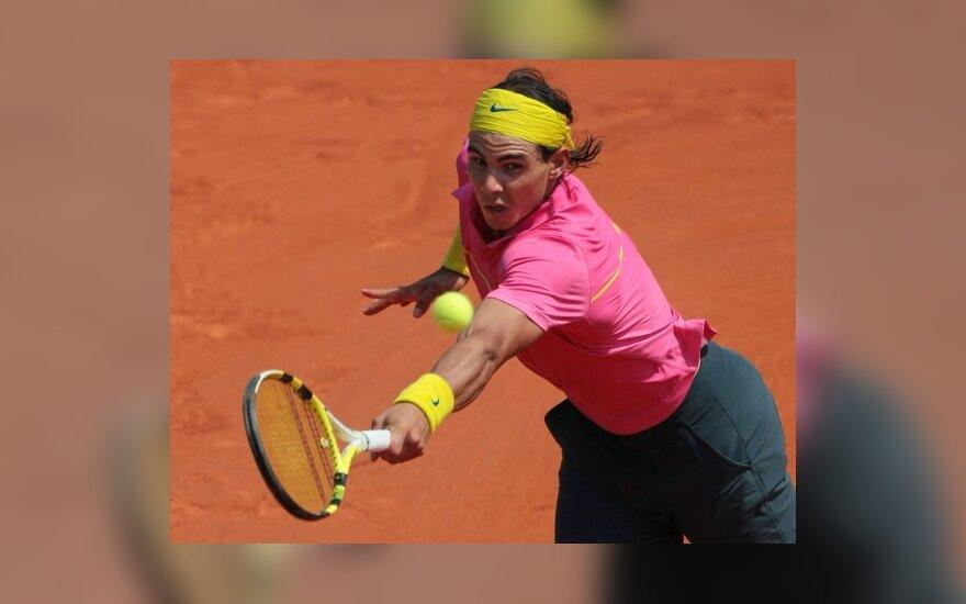 Favoritai R.Nadalis ir D.Safina sėkmingai pradėjo atvirąjį Prancūzijos teniso čempionatą