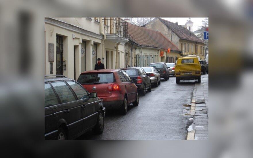 Vilniaus senamiestyje – automobilių spūstys