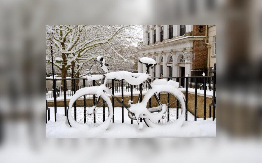 Kopenhagoje iškritus sniegui dviračių takai turi būti nuvalomi greičiau nei automobilių