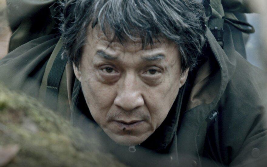 """Jackie Chanas, kadras iš filmo """"Svetimšalis"""""""