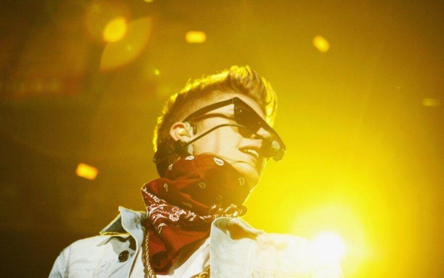 Švedijoje J. Bieberio turo autobuse policija rado narkotikų