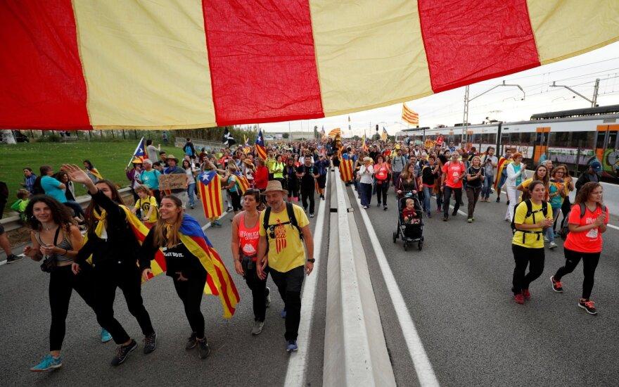 Katalonijoje per protesto akcijas nukentėjo beveik 90 žmonių